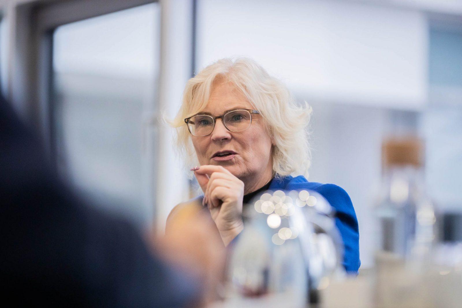 "Justizministerin Christine Lambrecht: ""Ich bekomme regelmäßig üble Drohungen."""