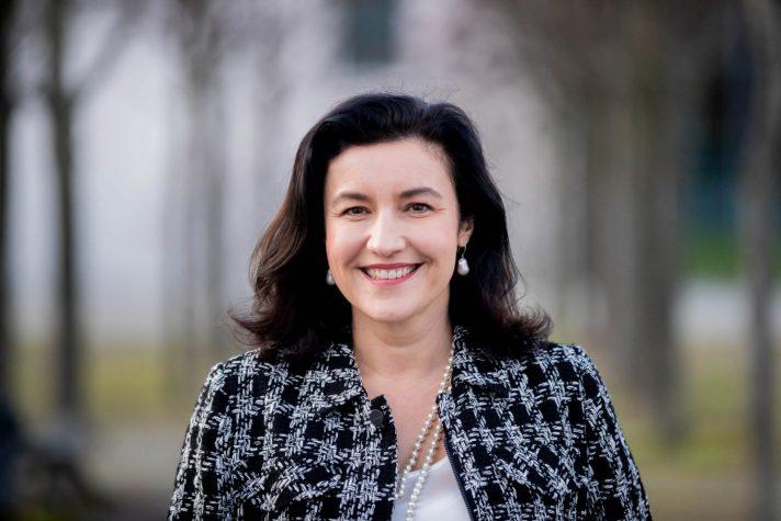 Dorothee Bär: Macht der sozialen Netzwerke nicht ignorieren