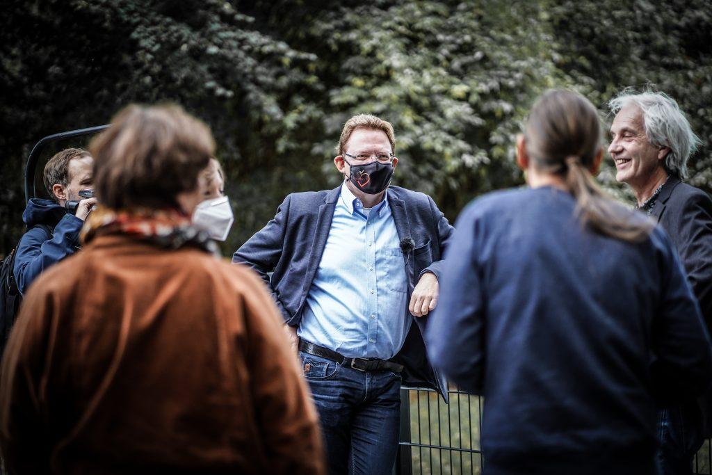 Andreas Hollstein im Wahlkampf 2020 in Dortmund: Ende 2020 endete seine Amtszeit als Bürgermeister von Altena. Foto: Paul Schneider