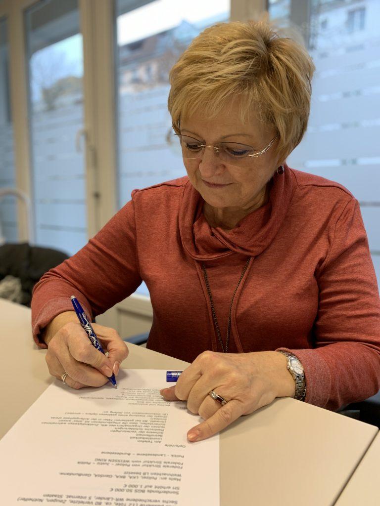 Martina Linke, 66 Jahre alt, betreut noch heute Opfer des Anschlags auf dem Breitscheidplatz. Foto: Krogmann